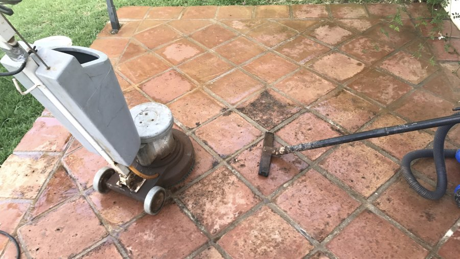 limpiar suelo terraza poroso