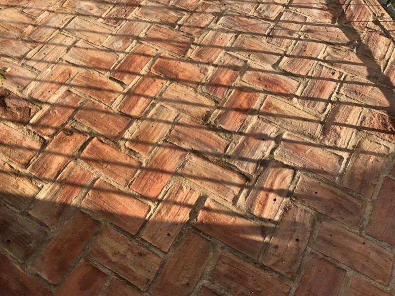 limpiar suelo barro terraza