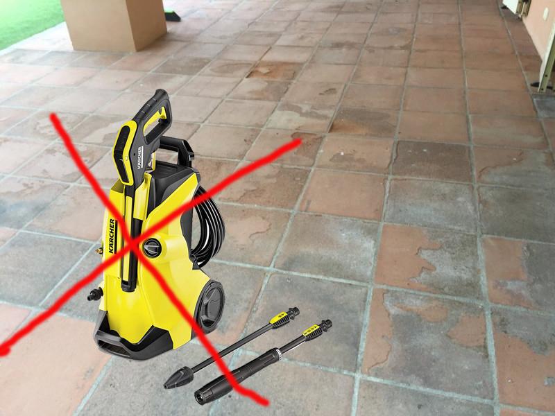 limpiar suelo barro con máquina de agua a presion