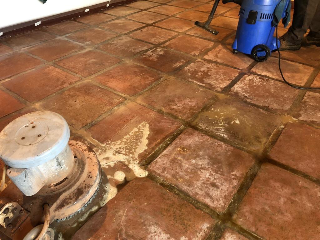 Estado inicial suelo de barro interior 09
