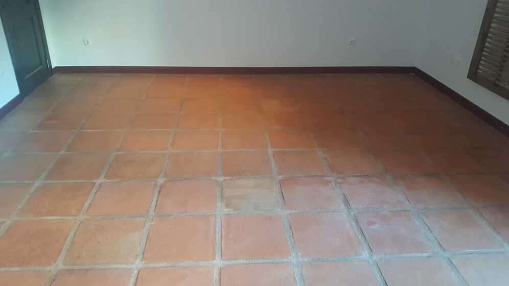 Estado suelo de barro tras fase de decapado y limpieza 05