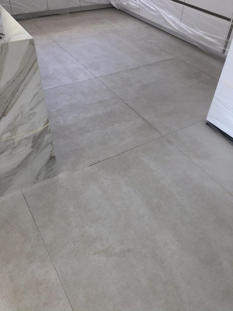 Estado-inicial-suelo-porcelanico-02